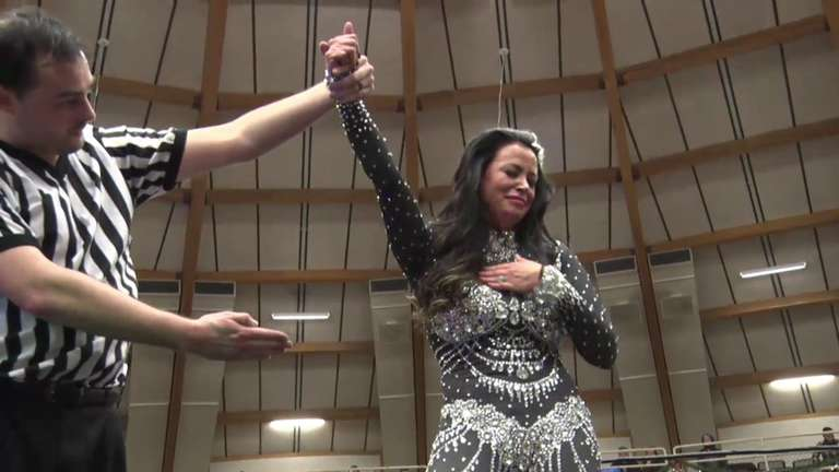 Former Wwe Womens Champion Candice Michelle Retires From -7585