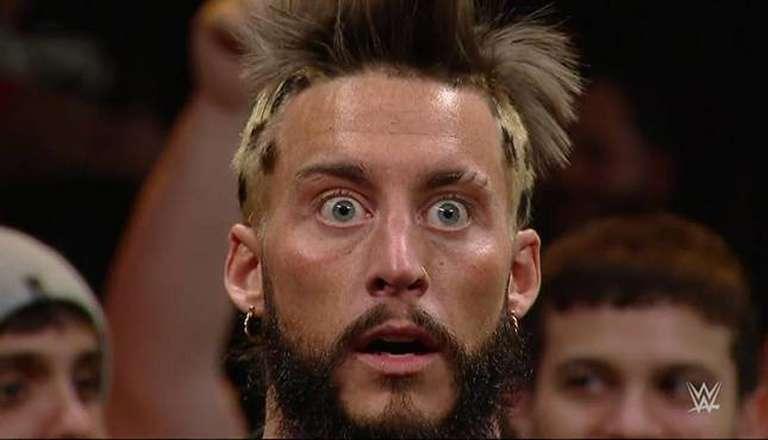 Enzo Amore e Joey Janela são reportados em uma luta no concerto do Blink 182