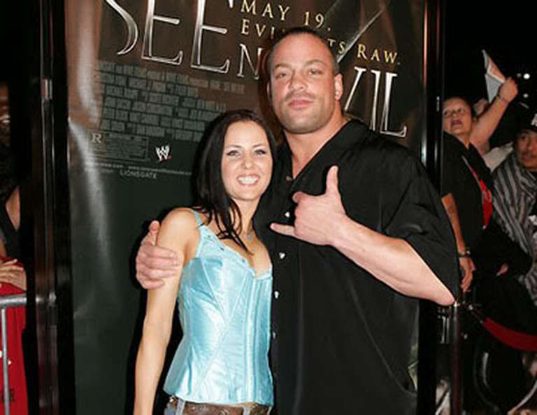 Rob Van Dam Finalizes Divorce Settlement ...